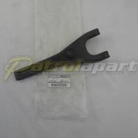 Nissan Patrol GU Y61 Genuine Clutch Fork TB45 TB48 TD42 ZD30