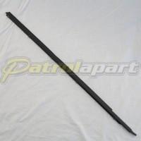 Genuine Nissan Patrol GQ Y60 Weatherstrip RHF Elec Outer