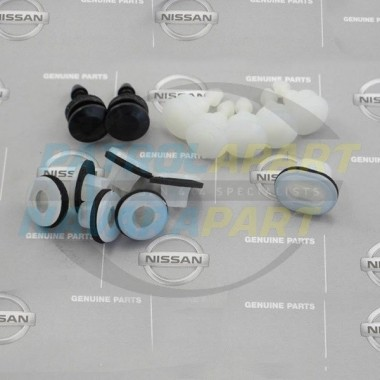 Nissan Patrol Genuine Rear Quarter Flare Clip Kit GU 123