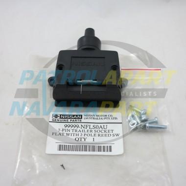 Genuine Nissan Tow Bar Flat 7 Pin Plug